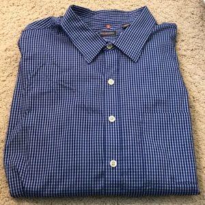 Can Heusen traveler shirt.  19 - 19 1/2